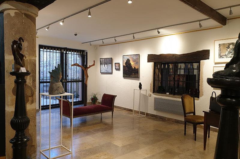 intérieur galerie passion d'art à Cluny