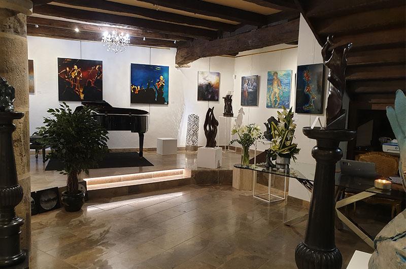 intérieur galerie passion d'art à Cluny 2